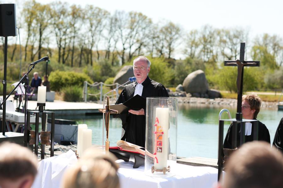 Auch unser Pfarrer Stefan Benecke taufte in Olfen.